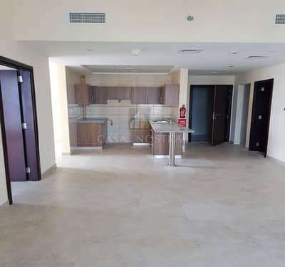 شقة 2 غرفة نوم للبيع في أبراج بحيرات الجميرا، دبي - Affordable Price 2BR on Higher Floor Chiller free