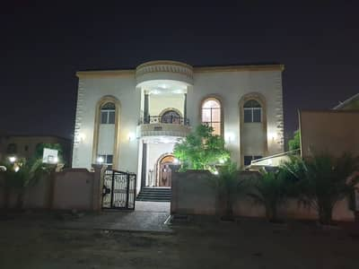 Villa for rent in Al Rawda 7 rooms with swimming pool