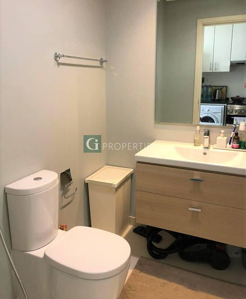 10 Mid Floor | Great Investment | Well Priced