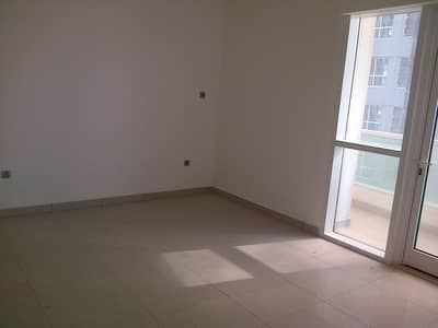 Marina and Palm View - One Bedroom Apartment For Rent in Dubai Marina