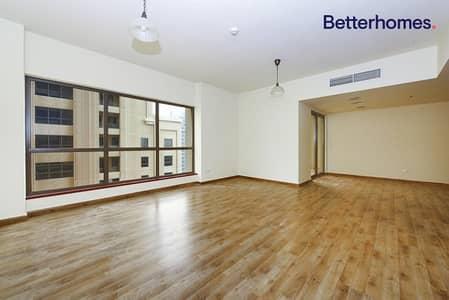 شقة 3 غرف نوم للايجار في جميرا بيتش ريزيدنس، دبي - Sea View | Unfurnished | Good Condition