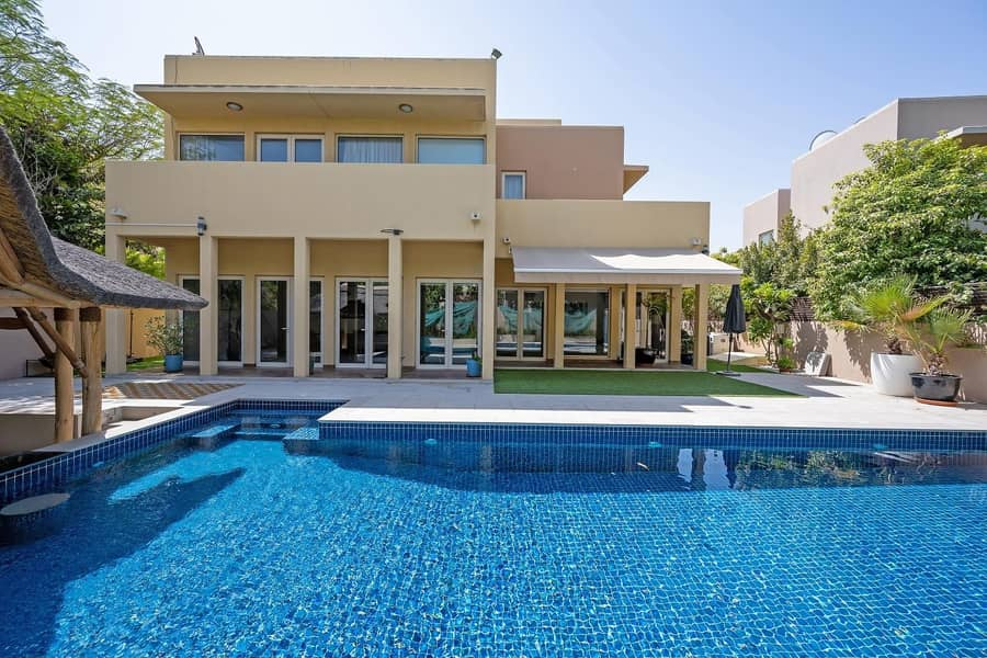 Unique Show Home Style 5 Bed Villa | Private Pool