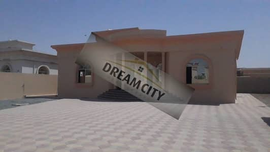 3 Bedroom Villa for Rent in Al Jurf, Ajman - * Villa for rent, ground floor, directly on the neighboring street, very clean, 15,000 feet, at an antique price *