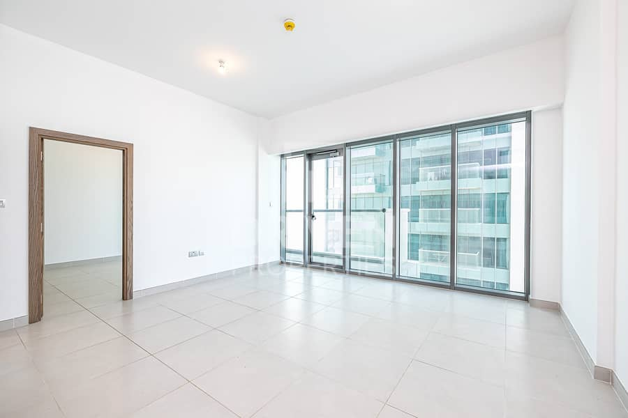 Prime Location and Bright 1 Bed Apartment