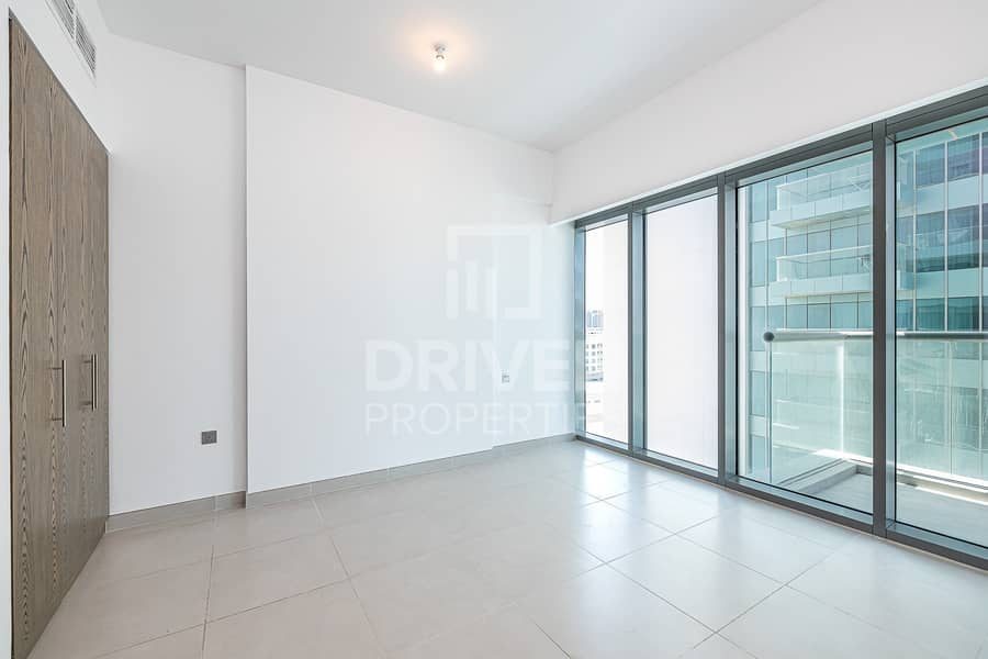 13 Prime Location and Bright 1 Bed Apartment