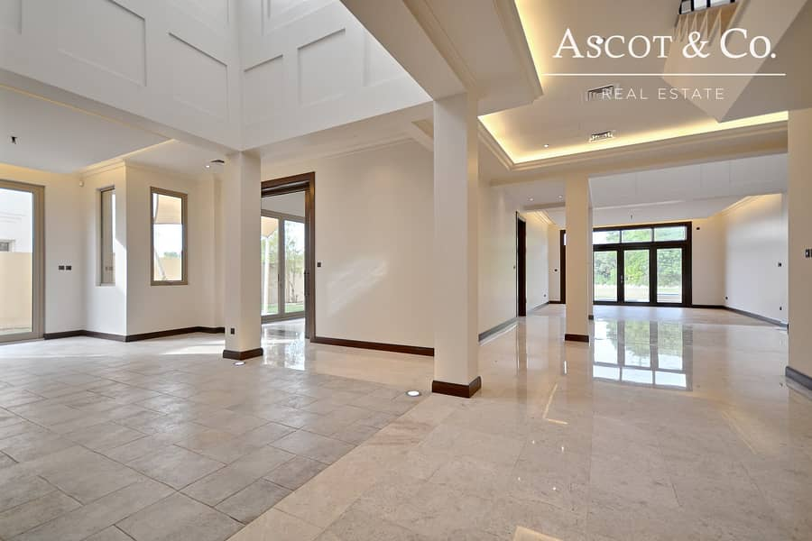 1 Luxurious 6 Bed | Corner Plot | Basement