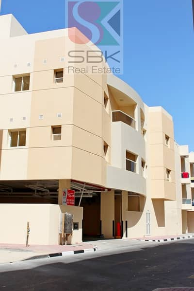 PRIME LOCATION 1 BHK FOR SHARING CLOSE TO DEIRA CITY CENTER METRO STATION