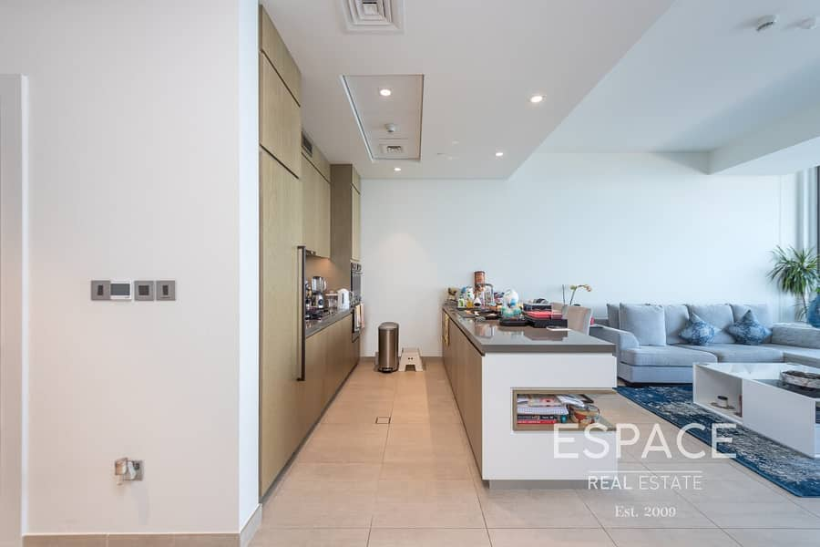 13 Stunning Views | 2 Bed | High Floor