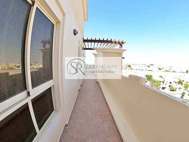Must See Penthouse!!! 3 Classic Master-BR I Breezy Terrace I Private Parking