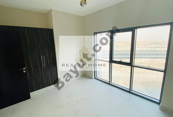 Huge-Layout 2 Bed Apartment