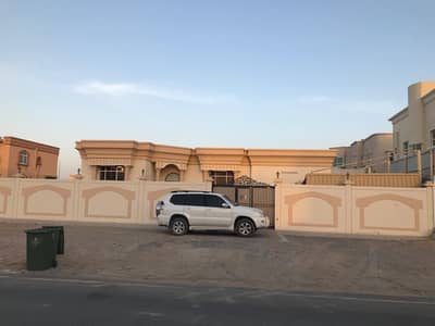 3 Bedroom Villa for Rent in Al Jurf, Ajman - For rent a villa, one floor 3, a majlis and a hall