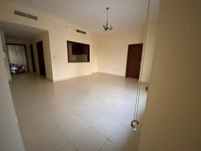 ONE MONTH FREE ! LARGE 1BHK IN DESERT SUN TOWER WITH BALCONY 35/K