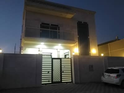 فیلا 5 غرف نوم للايجار في الياسمين، عجمان - فيلا للايجار في الياسمين علي شارع قار اول ساكن بالمكيفات 85الف