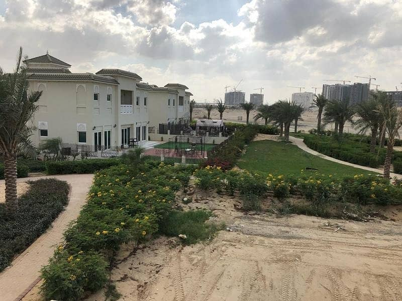 4 BR+M   TOWNHOUSE   13 MONTHS CONTRACT