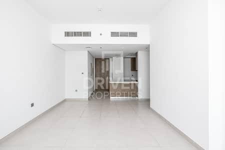 Modern 2 Bedroom Apartment plus Maid's Room