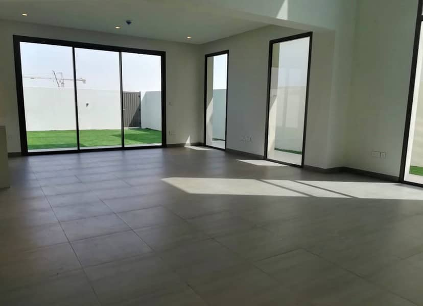 Brand New 3 BR Single Row Townhouse Available in Affordable Price!