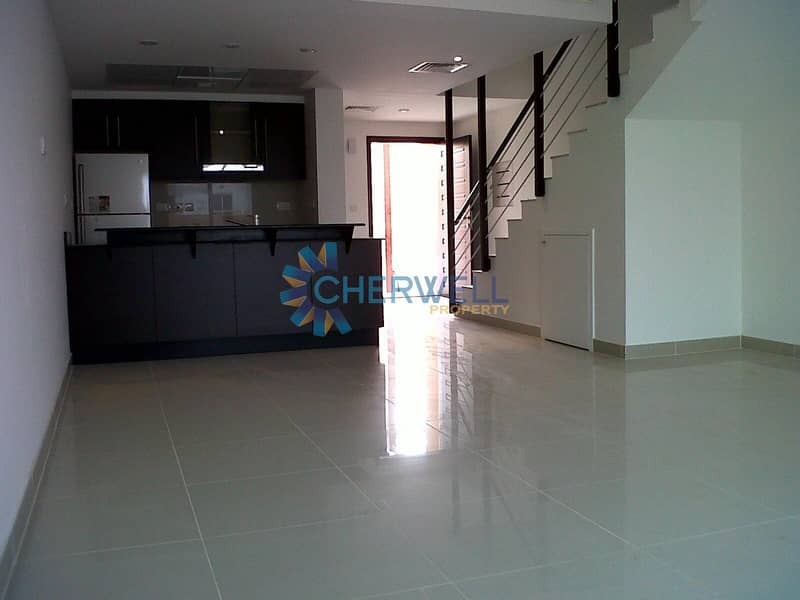 2 Single Row | Luxurious And Well Maintained Villa | Vacant
