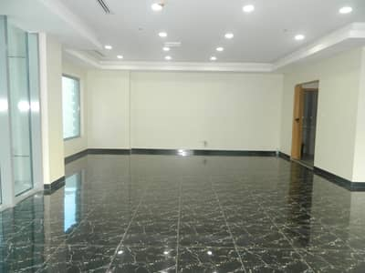 Office for Rent in Business Bay, Dubai - Chiller Free Inbuilt Utilities Lake views Vacant