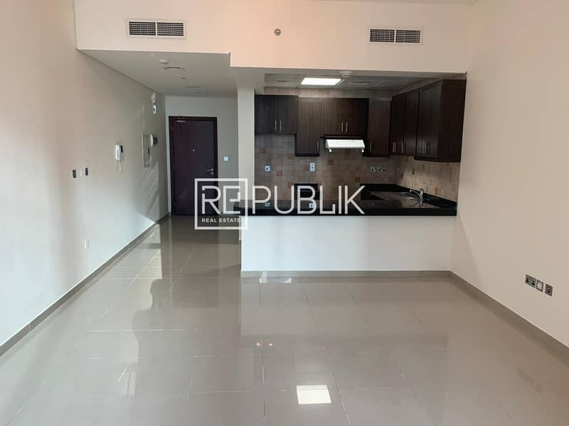 2 Ready and Well Maintained Studio Unit w/ Nice View