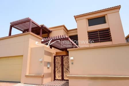 4 Bedroom Townhouse for Sale in Al Raha Golf Gardens, Abu Dhabi - Invest or Live In This Spacious Townhouse