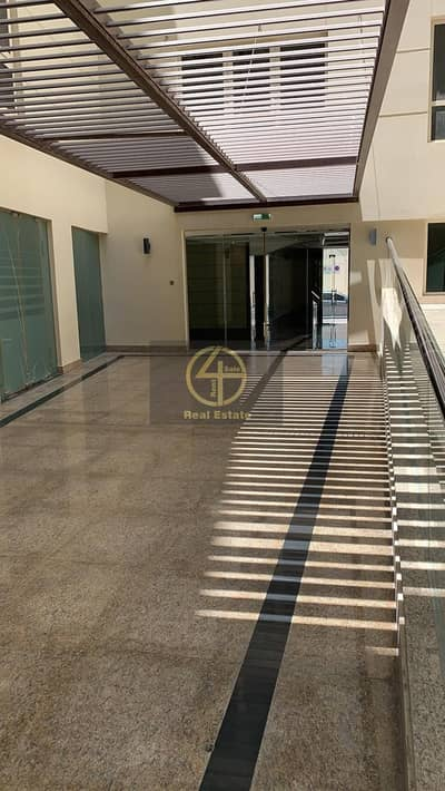 3 Bedroom Apartment for Rent in Rawdhat Abu Dhabi, Abu Dhabi - Breathtakingly Well Spaced Unit in A Hot Spot !