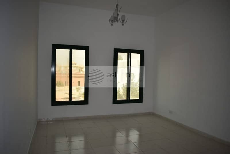 2 4 Beds with Separate Maids Room    Compound Villa