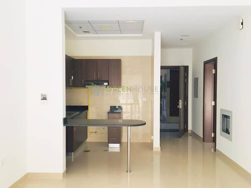 2 1 Month Free Rent | Spacious 1 BRs Apt. | Ideal Location | Nargis Resi.