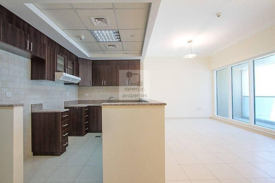 2 High floor | Well Maintained | Closed kitchen
