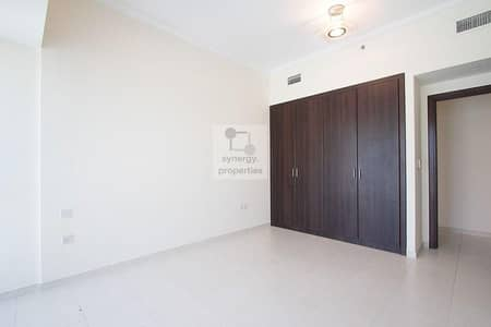 High floor | Well Maintained | Closed kitchen