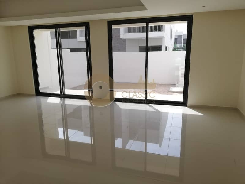 Sun filled  4bed +Maid |Brand New |Famil Living