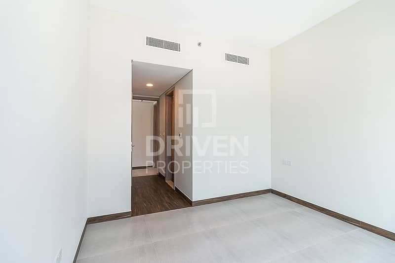 Brand New and Bright 2 Bedroom Apartment
