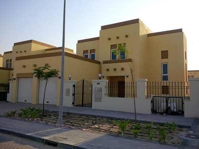 3 Bedroom Villa for Sale in Jumeirah Park, Dubai - 3 Br + Maid's Large Heritage District 7 Corner Villa