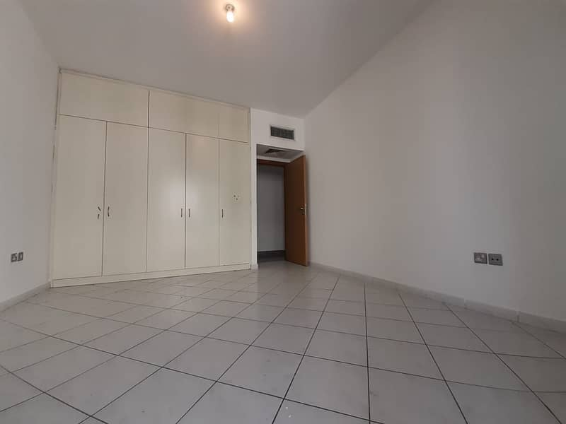 No Security deposit amazing 1bhk with parking in corniche