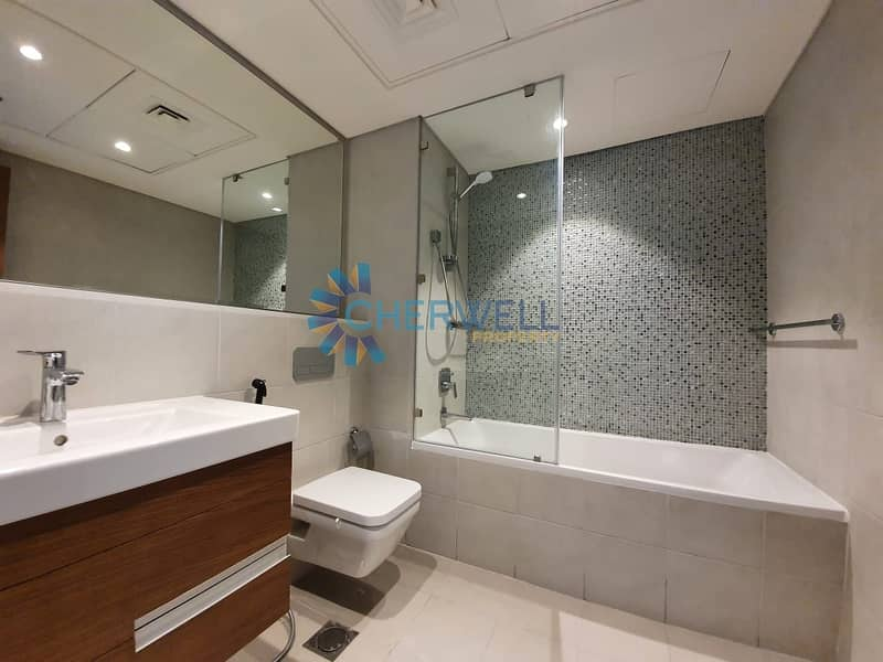 10 Elegarnt And Luxurious Apartment | Partial Sea View