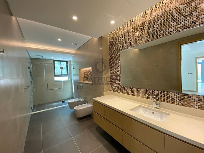 10 Luxurious |4 Bed Rooms Townhouse| Ready To Move In