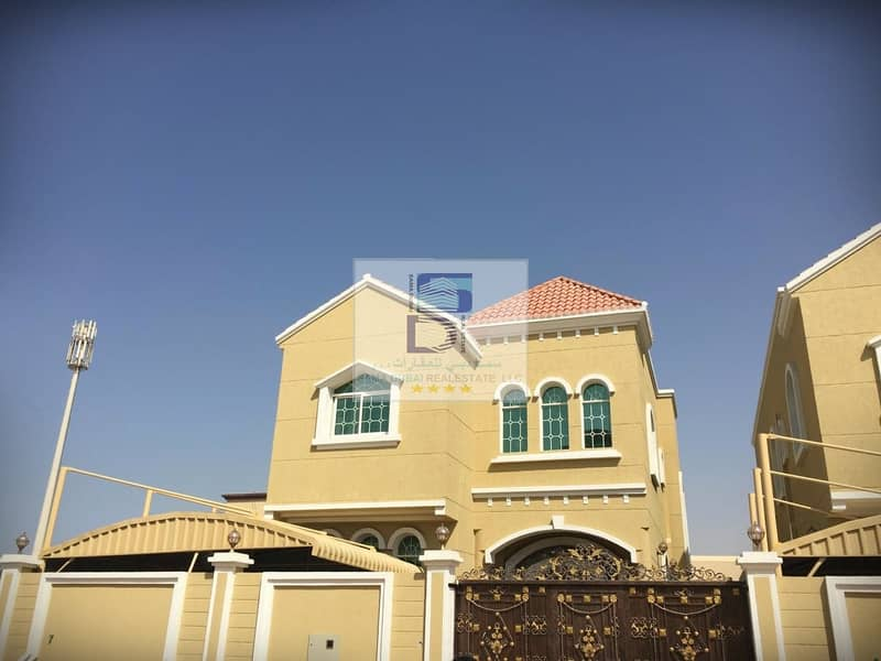 One of the best modern finishes is a new villa, a large building area, an excellent location, a full service area with all bank facilities, without advance payments or any expenses for villa services, a distinguished location, very close to services, scho