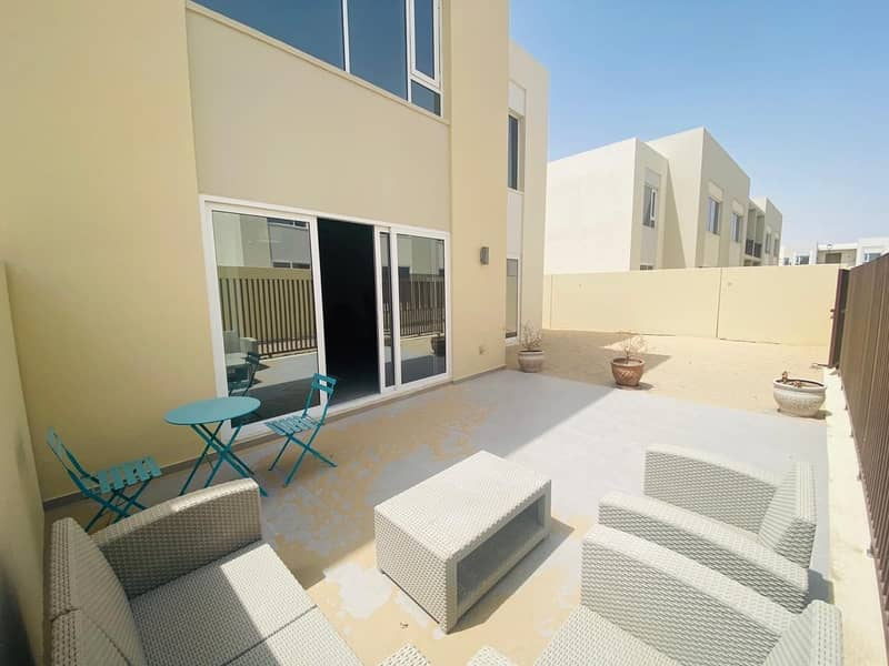 2 Spacious | Fully Furnished| Close to Pool and Park