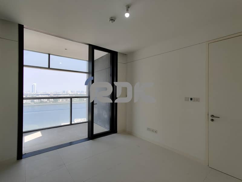 1 Bedroom Apartment  with a balcony and sea view - Direct from the Landlord