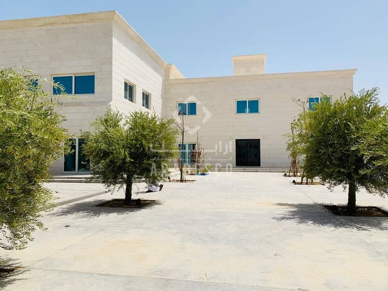 VERY BEAUTIFUL AND GOOD QUALITY VILLA FOR SALE IN MBZ