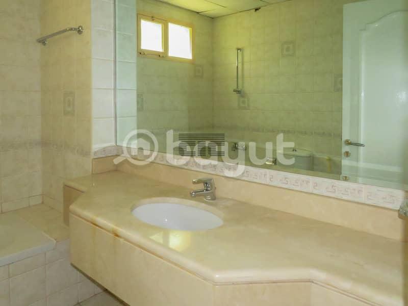 2 Lavish Villa 5 Bedrooms Available for rent Porsche Location