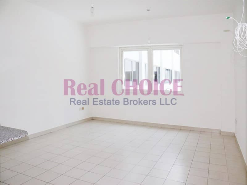Hot Deal! in 4 Cheques|1BR Plus Laundry Apartment