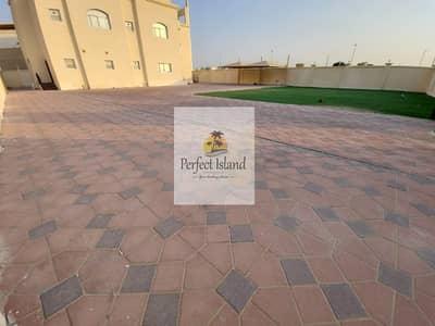 7 Bedroom Villa for Rent in Shakhbout City (Khalifa City B), Abu Dhabi - Corner Villa   private entrance   Balconies
