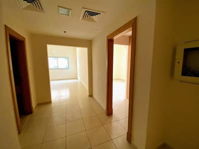 1 Bedroom Apartment for Rent in Dubai Silicon Oasis, Dubai - Well Maintained Very Spacious 1 BHK Flat With Balcony For Rent in Axis Residence. .