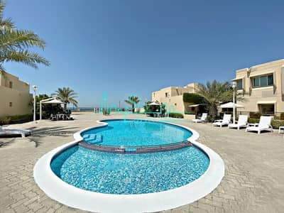 4 Bedroom Villa for Rent in Jumeirah, Dubai - Beach front compound|Spacious 4 bed|Shared pool