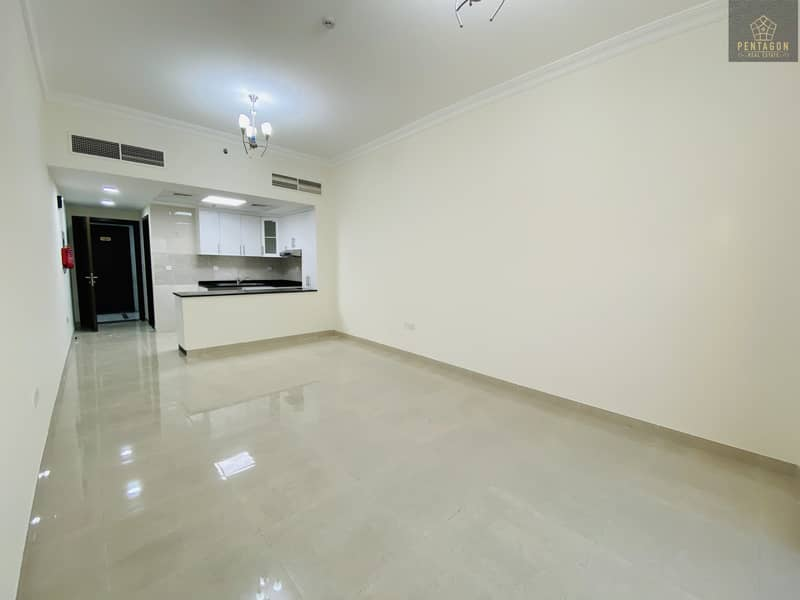 Huge Studio   No Commission   Free Month   Brand new apartment