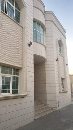 Privet Entrance 5 bedrooms villa in kcb