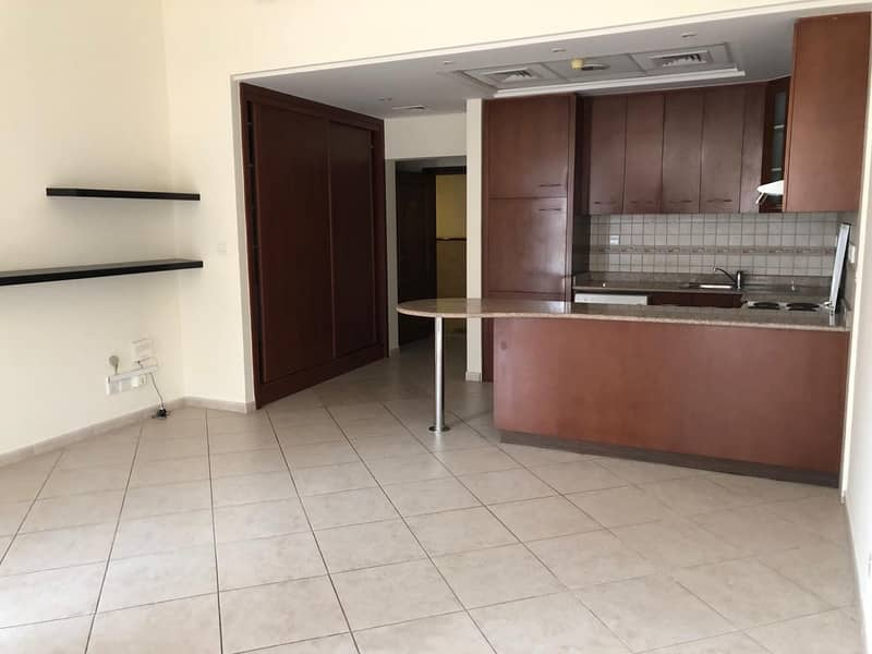 Spacious Studio Flat For Rent in Mirdif Courtyard Residence