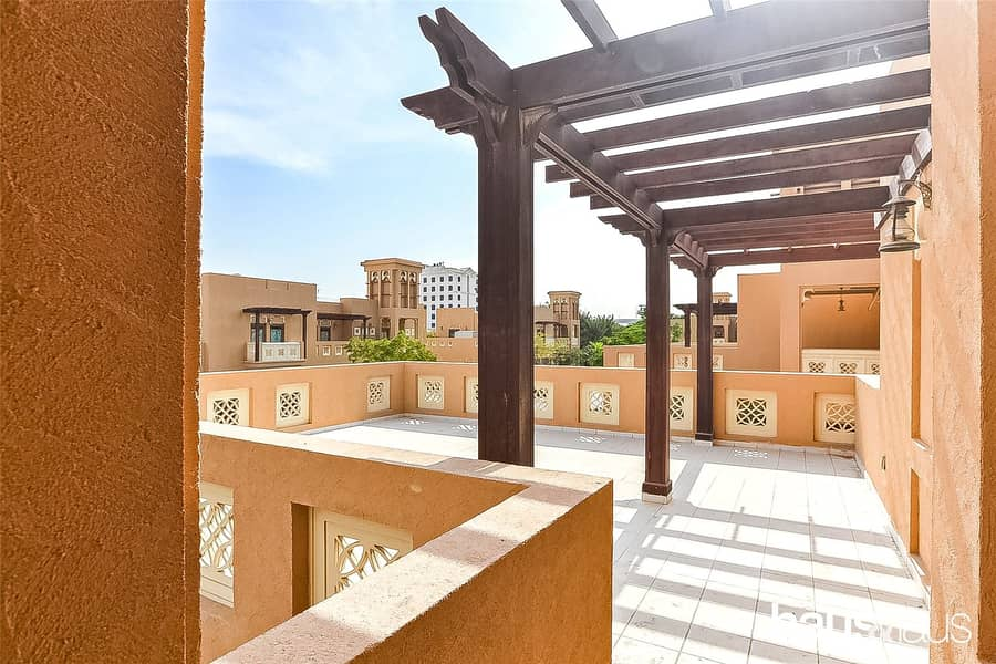 2 Large Kitchen | Vacant | Dubai Style | 3 BR