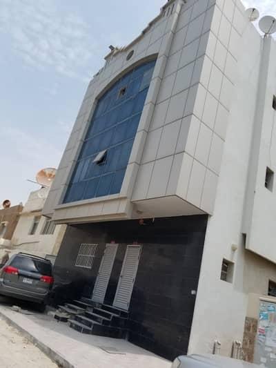 مبنى سكني  للبيع في البستان، عجمان - للبيع مبني سكني بموقع ممتاز بالبستان مساحة 2000 قدم مربع ارضي و3 طوابق