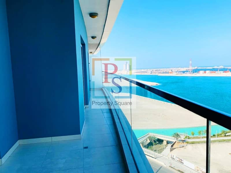 Excellent Sea Facing 1BR Apt with Balcony  & Close Kitchen